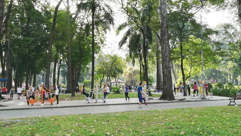 ホーチミン文化公園の運動用具