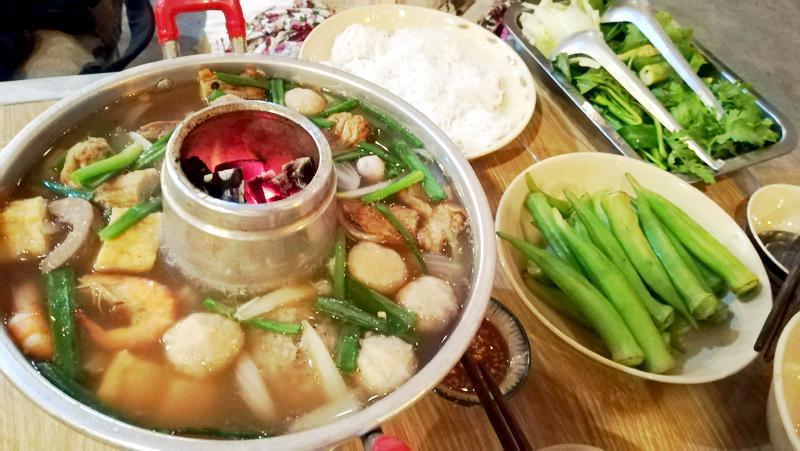 Lẩu Cù Lao鍋もの屋さん